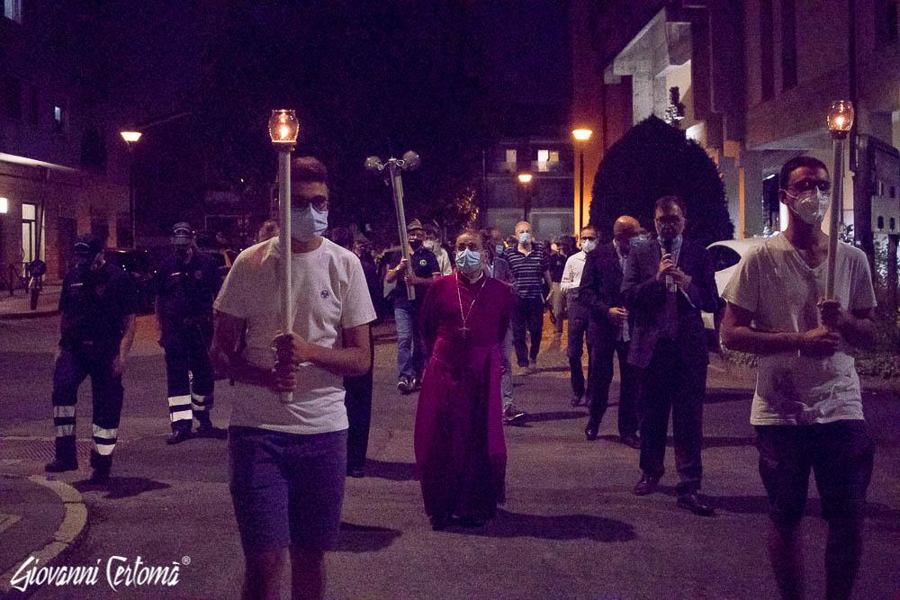 Processione per le vie della città