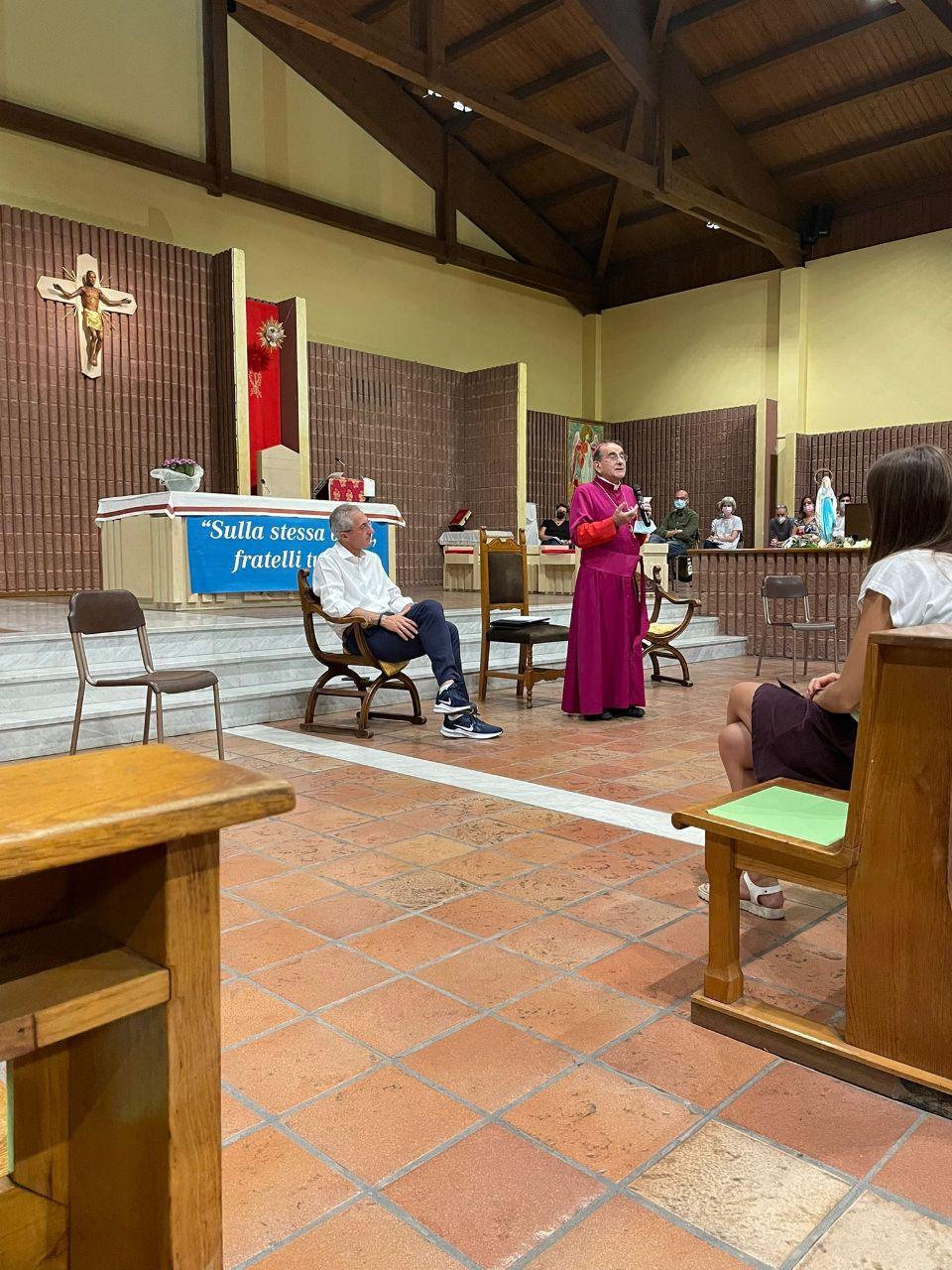 Incontro con i giovani presso la parrocchia Spirito Santo